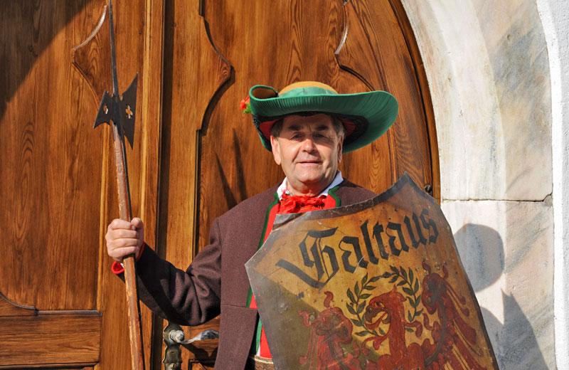 Sepp Pircher, Besitzer des Schildhofes Saltauserhof in Saltaus